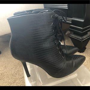 Black h&m ankle boots/heels
